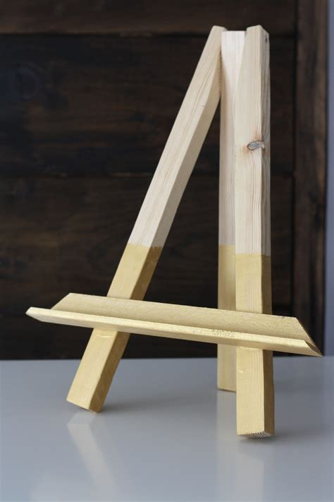 Diy Easel Stand For Picture Frame